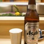 鮓廣嶋 - ドリンク写真:まずはビールです、嬉しいことに大ビンですよ♪