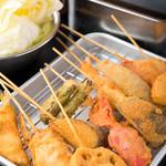 串かつ とんび - 豚、鳥、牛、野菜に海鮮と種類も豊富な『串かつ』
