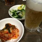 名春 - 料理写真:赤キムチと青キムチ