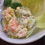 52799502 - ポテトサラダ 税抜320円 マヨネーズ風味が強く手作り感バッチリの推奨品