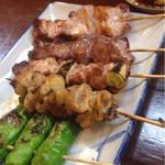 52799503 - 上から、ばら・たん・鳥ねぎ・皮・ジャンボなししとう 肉類125円、野菜類115円(税抜)