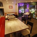 湘南イタリアン カーサマーレ - テーブル席