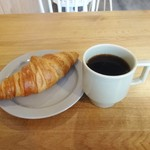 NOVEMBER - クロワッサン、コーヒー