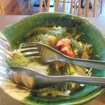 52806216 - 「魚介と海ぶどうのサラダ」(842円)