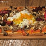 ビオディナミ - TAPPASピザのビスマルク690円+税