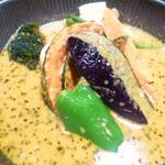 スープカレーlavi - チキンto野菜ココナッツスープ