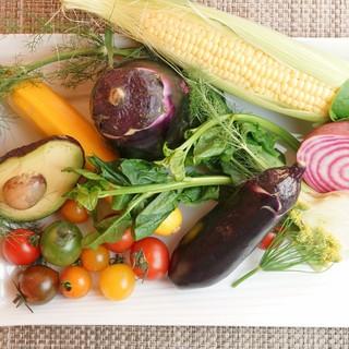 """旬の野菜をふんだんに取り入れた""""滋味深い""""イタリアン"""