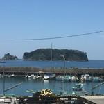 52818248 - 食堂の窓から見える浮島