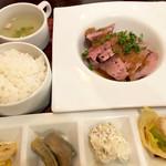 waingadaisukinaonikuyasanchinosumibiyakiitariangattsuxo - ローストポーク定食1000円