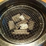 焼肉マルイシ - コンロ~炭ですね