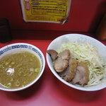 ラーメン二郎 - 小ラーメン 700円 つけ麺 150円