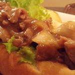 Cafe MOCO - お肉が甘辛で柔らかくて美味しい!
