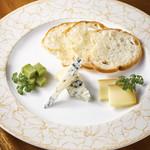 アクアリウム カフェ アフィニティ - チーズ三種盛り合わせ