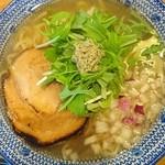 必死のパッチ製麺所 - 飛魚そば666円プラス8%