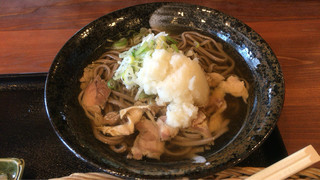 白鳥十郎そば本舗 - 辛味おろし肉そば ¥880