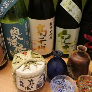 泡まで旨い生ビールとこだわりの日本酒