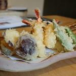 蕎麦割烹 黒帯 - 天ぷら盛り合わせ
