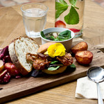 METoA Cafe & Kitchen - PADDLE  BURGER LUNCH