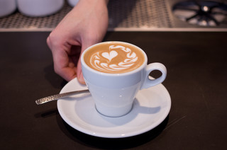 METoA Cafe & Kitchen - フラットホワイト