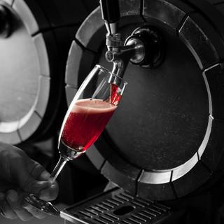 イタリアから直輸入の樽生ワイン