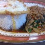 クルンテープ ミッドナイト - ・豚肉とガパオの炒め&ライス 650円 (税抜)