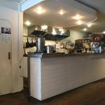 FABcafe - 店内 オープン厨房