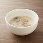 濃厚コラーゲンのコムタンスープ