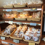 パン工房 ひかり - 調理パンの種類が豊富です。