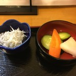 しまごん - 香の物と釜揚げシラス