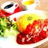 トマトソースのふわとろ半熟オムライス
