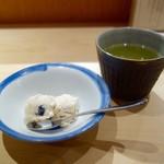 古今 - [2016/06]本日の日替わり膳(1380円)・煎茶と一口甘味