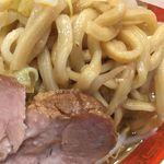 ラーメン タロー 五反田の陣 - 大ラーメン豚入り ¥900 平打ち麺