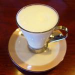 珈琲館 くすの樹 - スチームド・ミルク