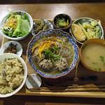 52859179 - 季節の薬膳スープごはん                       ひじき入り豚肉団子の金針菜と春雨のスープ煮 2016年6月24日