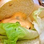 Hamburger Cafe UNICO - ダブルチーズバーガー「あっぷ図」