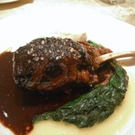 ル・ジャルダン・デ・サヴール - 子羊、フォワグラと豚足の網脂包み焼 赤ワインソース