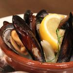コメドール エステラ - ムール貝の白ワイン蒸し。
