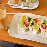 ヤオイソ - スペシャルフルーツサンドセット