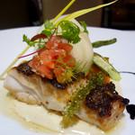 MILLE - 料理写真:天然真鯛のポワレ ブールブラン、イカスミ、レモンのソース