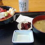 寿司吉 - づけ丼700円