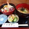 てまり和風味処 - 料理写真:寿司ランチ「ちらし丼+半そば」950円!!!
