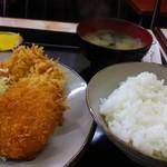 カフェレストラン 鍵 - ミックスフライ定食820円