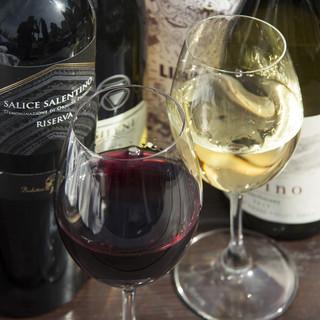 こだわりのワインを揃えてます!