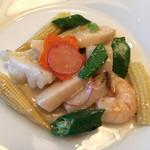 中国料理 桂林 - 海の幸と季節野菜の炒め
