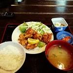 飯酒屋ぼおの - ぼぉの特製ザンギ定食(ライス小盛り)