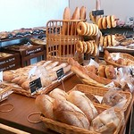 パン工房 ポム・ド・テール - お昼すぎの様子