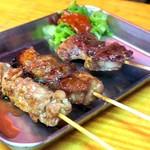 肉の店 鳥吉 - 串焼き各種¥90