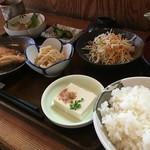 岡田 - ♪あかうお煮付け定食¥870