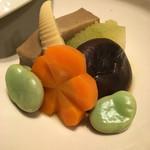 52895953 - 炊き合わせ:高野豆腐で挟んだ穴子と野菜