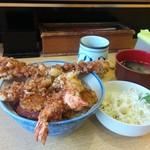 丸福 - 海老は2本、穴子がドーン!サラダも味噌汁も。